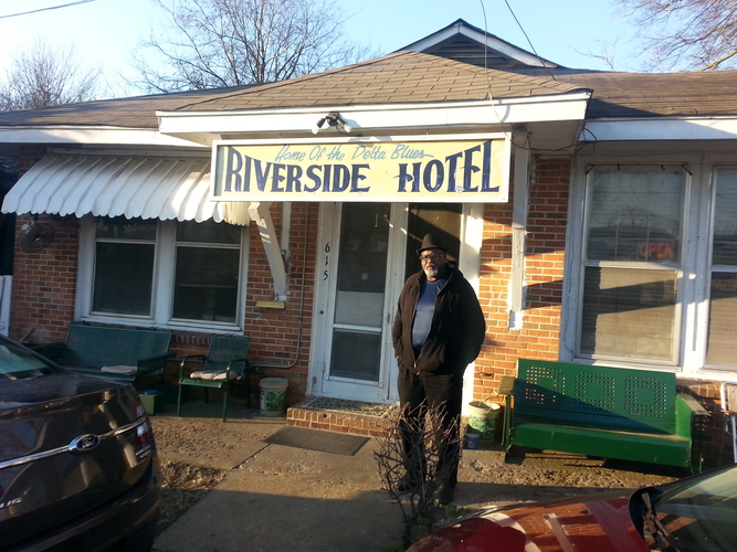 Ed at Riverside Hotel